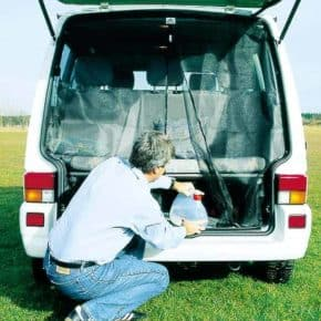 The FLYOUT mosquito net for VW T4 tailgate: entire tailgate opening of the T4 models offers best insect protection, article number 10011105SMore than 100 years successful in the mobility industry: Our online store offers a wide range of vehicle accessories