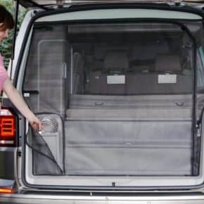 The FLYOUT insect screen for VW T6 / T5 California (without Beach): tailgate opening is the perfect mosquito net. More than 100 years of success in the mobility industry: Our online shop offers a large selection of vehicle accessories