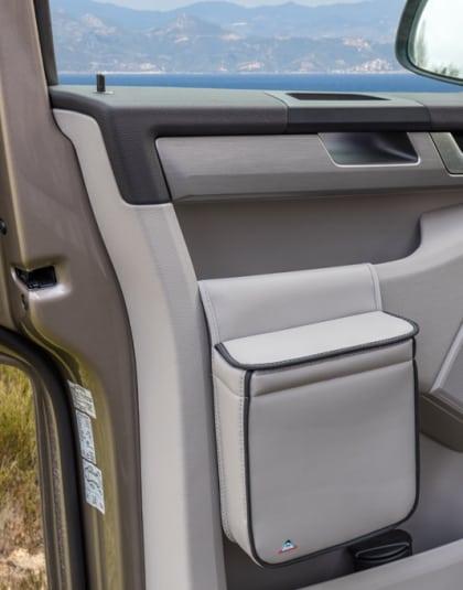 """MULTIBOX VW T6 Isolierbehälter für die rechte Fahrerhaustür, Design """"Leder Moonrock"""", MULTIBOX Isolierbehälter für die linke Fahrerhaustür des VW T6, Design """"Leder Moonrock"""", Art.Nr.:100706786, 100706787"""