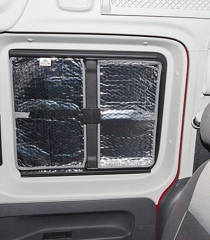 ISOLITE Inside Seitenfenster in Schiebetür VW Caddy 4/3 mit Verkleidung, ISOLITE Inside VW Caddy 4/3 mit Verkleidung, Seitenfenster in Schiebetür rechts; ISOLITE Inside Schiebefenster VW Caddy 4/3 mit Verkleidung, Schiebetür links
