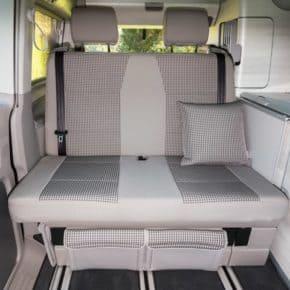 """Second Skin für die 2er-Bank VW T6 California Coast mit Aussparung für Isofix-Halterungen ab Mitte 2018, Design """"Visitamo/Moonrock"""""""