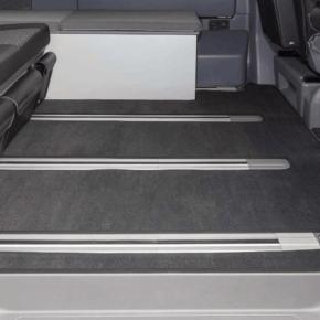 """Brandrup Velours Teppich für Fahrgastraum des VW T6.1 / T6 / T5 California Beach mit 2er-Bank (ab 2011), Design """"Titanschwarz"""""""