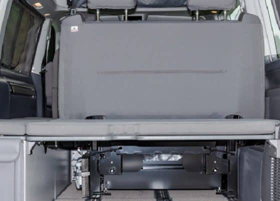 """Brandrup Sitzbezug für die 2er Bank - Second Skin im Design Mixed Dots - 100705769 100705770 Brandrup Second skin cover for 2-seater bench in VW T6.1 / T6 California Beach with recess for Isofix bracket in the design """"Mixed Dots"""""""