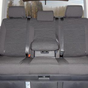 """Second Skin Schonbezug für die Sitzbank mit 3 Sitzen mit Mittelarmlehne im VW T6.1 / T6 Multivan im Design """"Circuit Titanschwarz"""""""