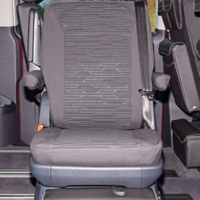 """Brandrup Second Skin Schonbezug für einen Drehsitz (in zweiter Sitzreihe) im VW T6.1/T6 Multivan im Design """"Circuit Titanschwarz"""""""