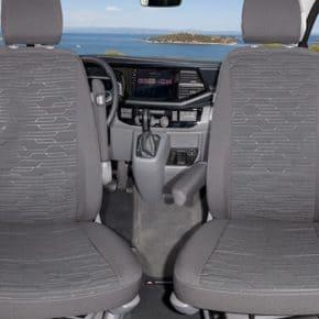 """Second Skin Schonbezüge für die Fahrerhaussitze im VW T6.1 Multivan im Design """"Circuit Titanschwarz"""""""