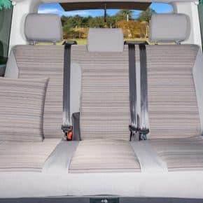 """Second Skin Schonbezug für die Sitzbank mit 3 Sitzen ohne Mittelarmlehne im VW T6.1 / T6 Multivan & Beach im Design """"Mixed Dots"""""""