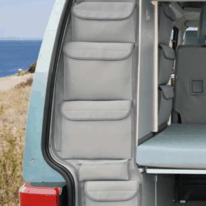 """UTILITY Taschen zur Anbringung seitlich vertikal am hinteren Abschluss des Kleiderschrank im VW T4 California Coach im Design """"Palladium"""""""