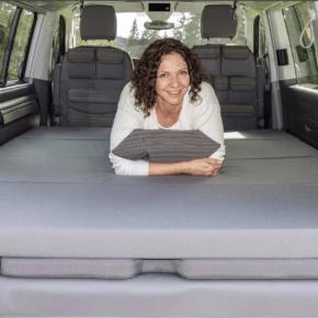"""Brandrup iXTEND Faltbares Bett für VW T6.1 Multivan und Beach mit waschbarem Bezug im Design: """"Palladium"""" - Wiest Online Shop"""