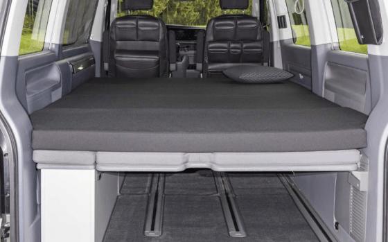 """Brandrup iXTEND Faltbett für VW T6.1 Multivan und Beach mit waschbarem Bezug im Design: """"Titanschwarz"""" - Wiest Online Shop"""