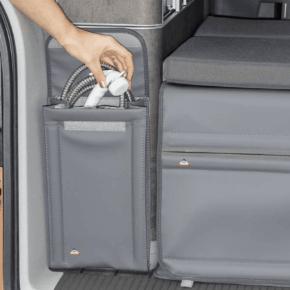 """Brandrup Utility Tasche zur Anbringung am Kleiderschrank Heck, ideal auch zur Aufbewahrung der Dusche, Duschtasche für VW T6.1 / T6 / T5 im Design """"Leder Palladium"""""""