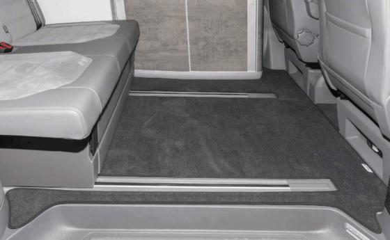 """Brandrup Teppich für Fahrgastraum der VW T6.1 California Modelle (ohne Beach) mit 2 Bodenschienen im Design """"Titanschwarz"""""""