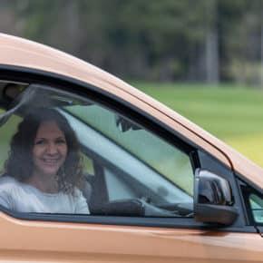 Das Brandrup Moskitonetz für die VW Caddy 5 oder Caddy California Fahrerhausfenster